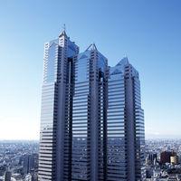 新宿パークタワーの39階~52階に位置するパーク ハイアット 東京。都心の喧騒から離れたプライベート空間で、360度に広がる素晴らしい眺望が皆様をお迎えします。