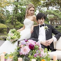 実は洋装にもよく似合う日本庭園。とっておきのフォトスポットで前撮り