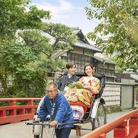 四季との融合!自然豊かな八幡宮で鎌倉ならではの1枚を! 伝統のある人力車は一生の思い出に。