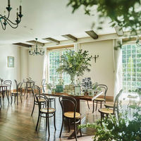 ゲストを最初にお迎えするスペースは、ゆったりした時間を楽しんでもらえる明るい空間