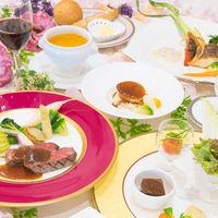 人気メニューと季節メニューは、実際に試食会でチェック!