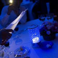宴会場アクアベールでの再入場は光の演出も人気演出の一つ。