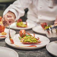 ライブビューキッチンでふるまわれるお料理は五感で楽しめる!