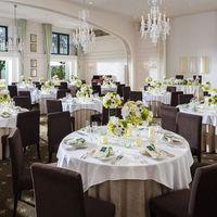 上質なウェディングにオススメの「バークリィー邸」は貸切のクラブルーム・プール付きのガーデン・邸宅と特別な一日にふさわしい会場