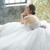 世界の花嫁が憧れるドレスブランドをはじめ こだわりの上質なコレクション