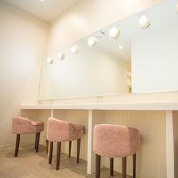 館内にある女性更衣室。着付けやご余興などのお着替えに使っていただきます。