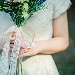 ロケーション 京都前撮り 洋装 洋装持ち込み ドレス ウェディングドレス weddingdress ドレス持ち込み ロケフォト UmoreWedding ユーモアウェディング 森 緑