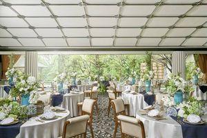 全室、庭園を望む披露宴会場。自由なパーティーを