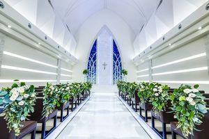 北近畿最大級!天井高10M、白亜の独立型大聖堂