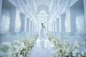 大聖堂【 クリスティアラ 】花嫁の憧れの挙式を