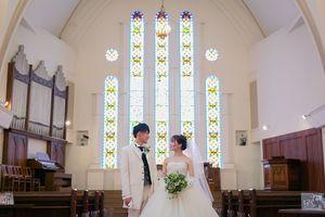 永遠の愛を誓う厳かな大聖堂ハルヒチャペル