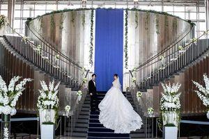 独立型「ルミエール」、大階段の「グランデュール」