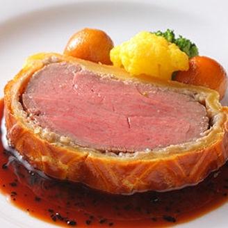 お肉料理は会場内でカービングサービスさせていただきます