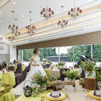 四季折々の景色を望む会場【鳳凰】 金沢城公園の景観を眺めながら金沢らしいパーティを。