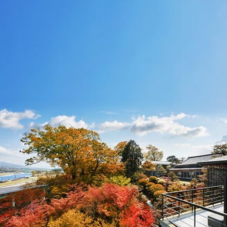 名園の中でふたりの未来を見付ける。ここに刻むふたりの誓いは、金沢の新しい歴史の1ページへ