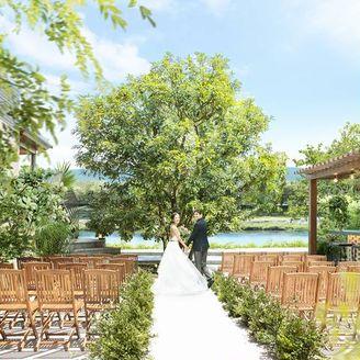 鴨川沿いのガーデン付き貸切邸宅で叶えるリゾートウエディング