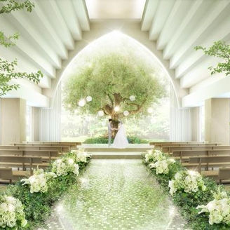 【2020年8月リニューアルOPEN!】木漏れ日のような光と、シンボルツリーが佇む最上階のセレモニースペース「LIFE tree(ライフツリー)」。木の下で誓う新挙式スタイルが誕生!