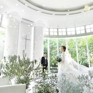 広島市内NO.1の天井高7.5m「チャペル リュヴェール」