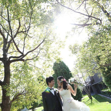 ドレス ウェディングドレス タキシード ロケーション チャペル フォトウェディング 庭園 緑