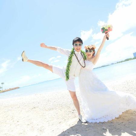 ハワイ ビーチ 海 空 ドレス ウェディングドレス サングラス 花かんむり