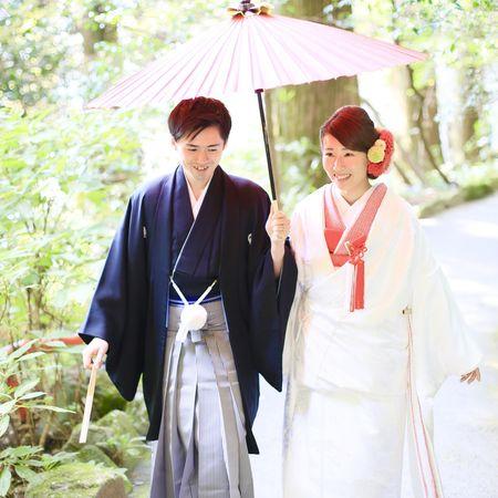 和装 ロケーション 白無垢 観光地 紅葉 黒紋付袴 和傘