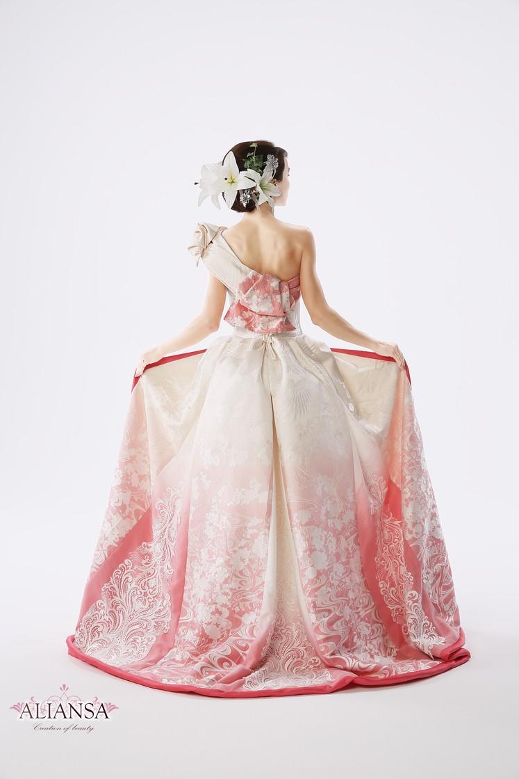 白無垢のグラデーションウェディングドレス(ピンク) 2枚目