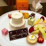 ウェディングケーキを模したデザート