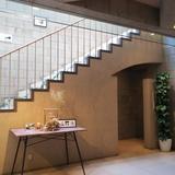 ロビー2階階段
