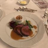 牛フィレ肉のロースト。試食会の写真
