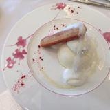 デザートがとても可愛かったです。