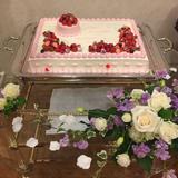 ウェディングケーキとケーキ周りの装花