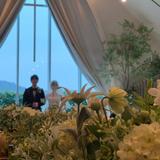 チャペル内での写真 白い花も綺麗でした
