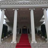 ホワイトハウスの方の式場にある大階段です