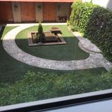 チャペルから出られる中庭