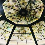葡萄の木のステンドグラス