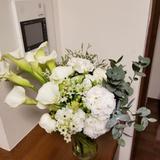 会場装花をブーケにして持ち帰りました。