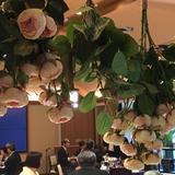 披露宴会場の装花。