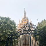 厳かな雰囲気漂う大聖堂