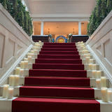 挙式会場の階段前