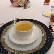 スープは甘くて飲みやすい