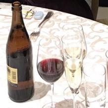 飲み物にはワインが赤と白両方ありました