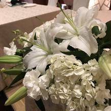 装花は生花でした