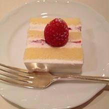 ふわふわウェディングケーキ