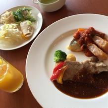 メインのお肉料理。野菜が美味しかったです
