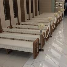 参列者の長椅子