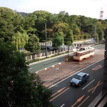親族控室からの風景(路面電車)