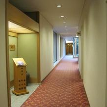 更衣室への廊下
