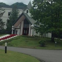教会の佇まいも素敵です