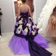 カタログのドレス