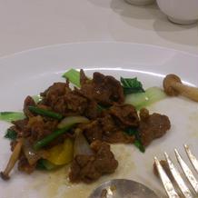 肉料理もとても食べやすく美味しかった。